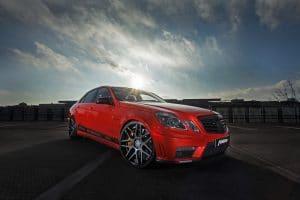 Mercedes E63 AMG : rouge de puissance, 720 chevaux