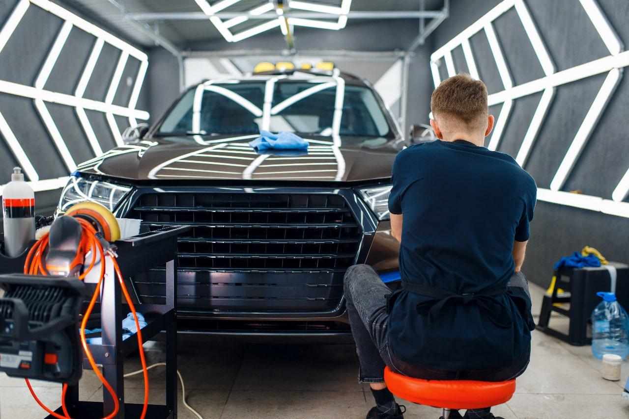 Préparer sa voiture avant la pose d'un covering